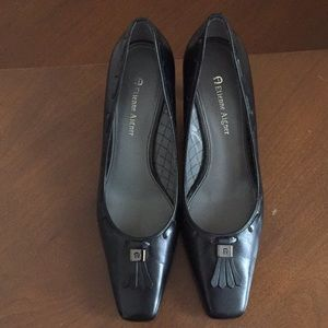 Etienne Aigner Leather Heels Classic Style Sz 7.5